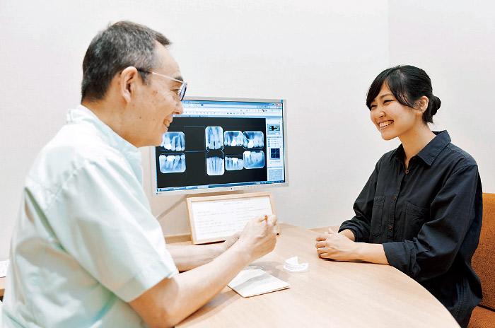 患者さんと十分なコミュニケーションをとり、最終的に同意を得てはじめて医療行為が行われる。
